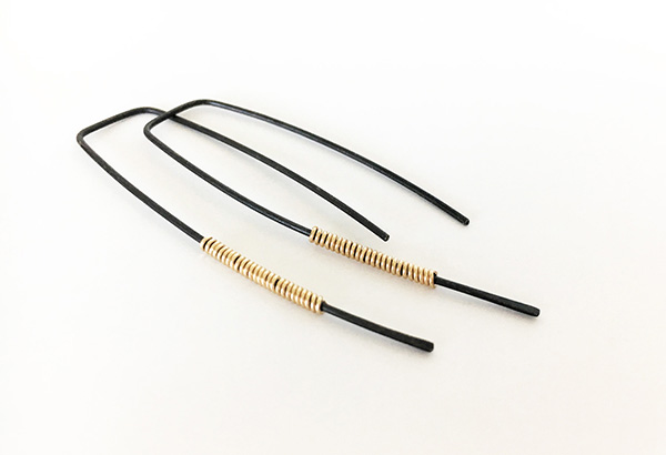 Black_Gold_Thin_Earrings6