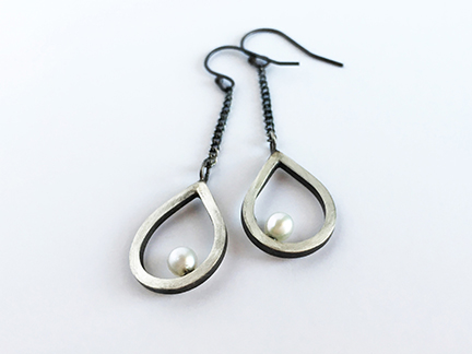 Pearl_Teardrop_Earrings1