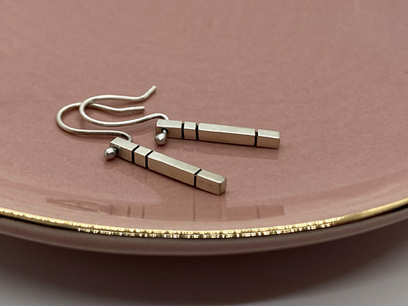 taraelaina silver dangle earrings