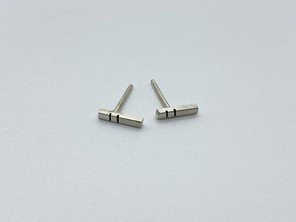WEB_LE_Stick Earrings Short1