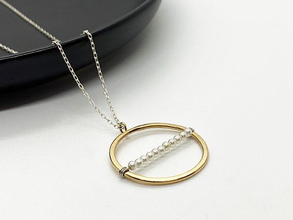 Web_MP_Gold Circle Necklace1